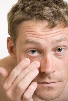 Kontaktlinser og utløpsdato: Ta forholdsregler