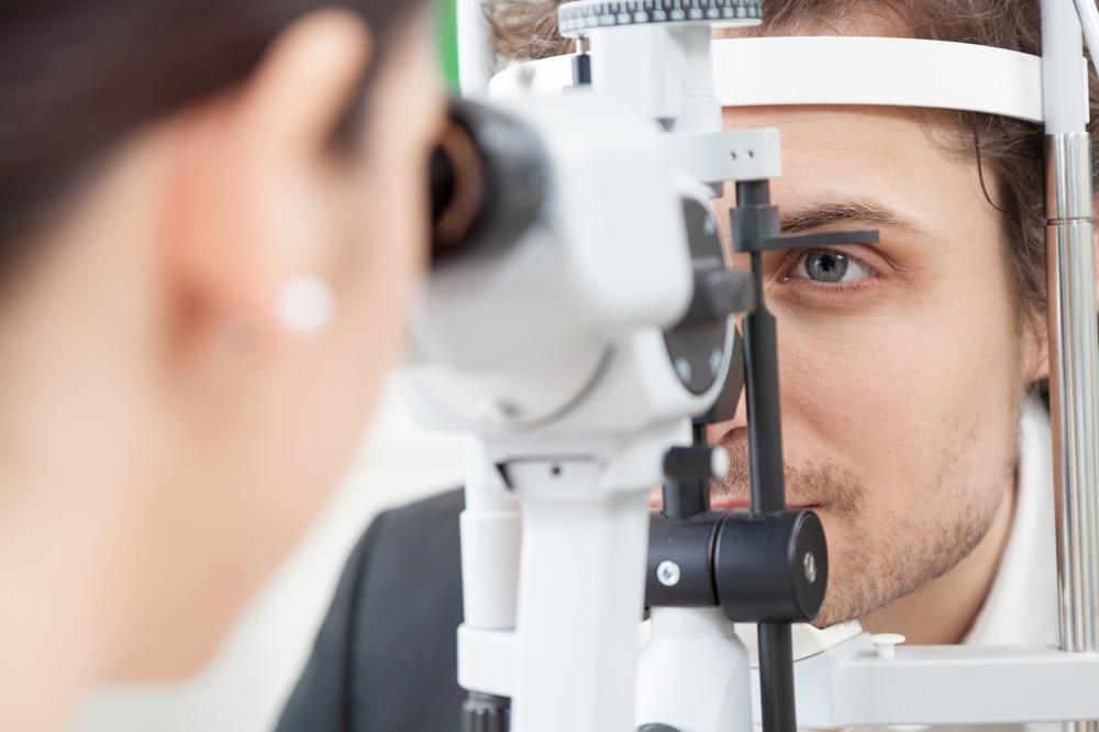 Skjeve hornhinner avdekkes ved en synsundersøkelse