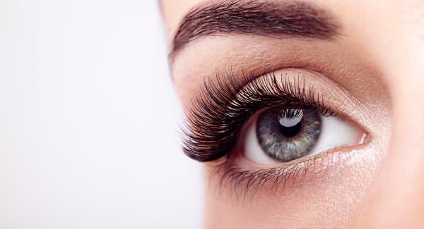 Vippeextensions og kontaktlinser